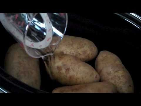 Here I'm sharing my no fail crock pot baked potato recipe. They turn out perfect every time! http://crockpotrecipeexchange.com/2011/03/crock-pot-baked-potatoes-my-first.html