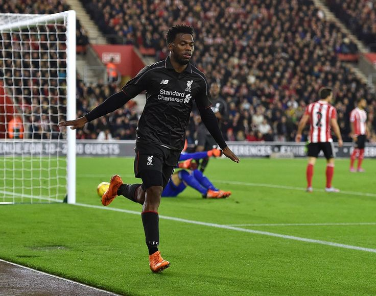 Daniel Sturridge Liverpool oslavuje, keď strelil druhý gól