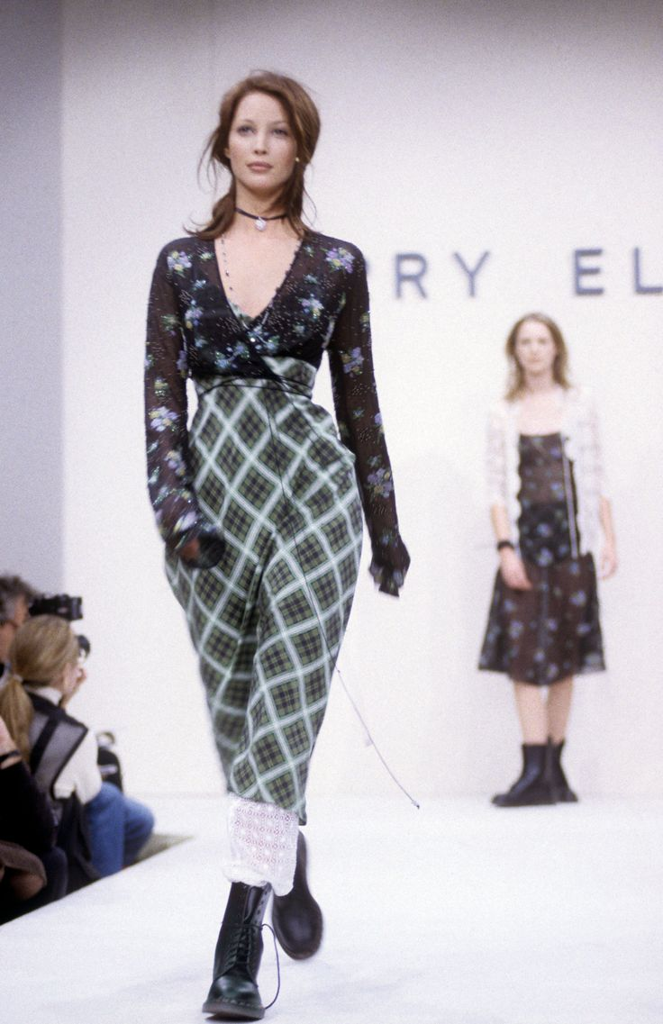 Marc Jacobs for Perry Ellis, showed a grunge-inspired collection for spring/summer 1993 - MarieClaire.com: