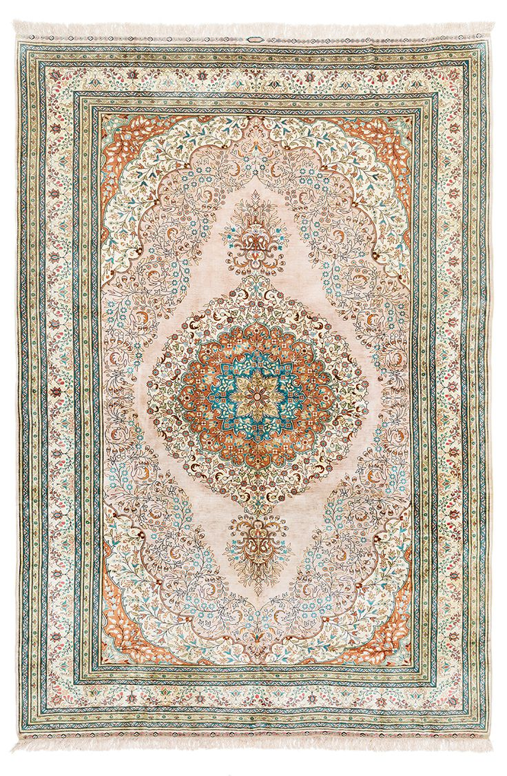 SIGNED HEREKE ANATOLIAN SILK CARPET Dimensions: 320 x 215 cm I  Albahie Auction House