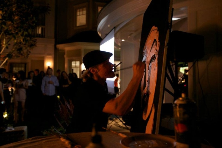 Erik Wahl in action...he created a breathtaking portrait of Marilyn Monroe in 3 minutes!