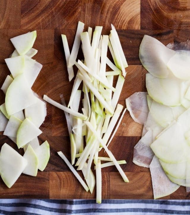 I've always thought that kohlrabi looks like an alien spaceship. The weirdly cylindrical shape, the skinny arms — what is this stuff? Lucky for us, kohlrabi isn't alien at all but a delicious addition to summer salads and slaws. Here are three ways to to get past this vegetable's eccentric appearance and slice it up so you can eat it!