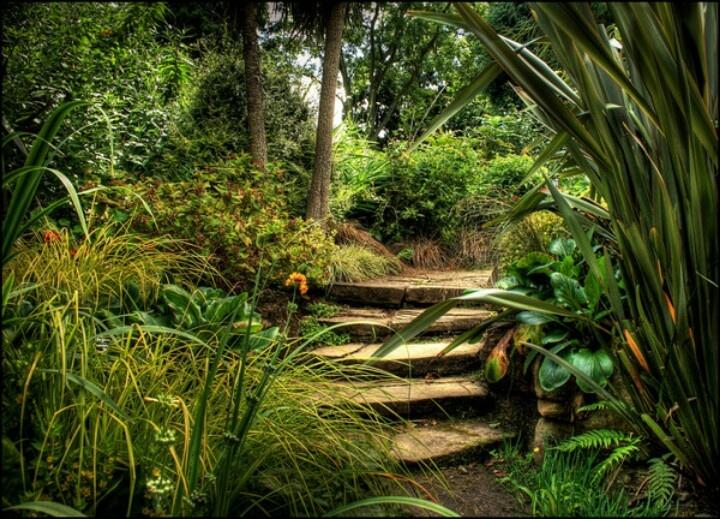 Garden Spinners By Premier Designs Garden Ideas And Garden Design