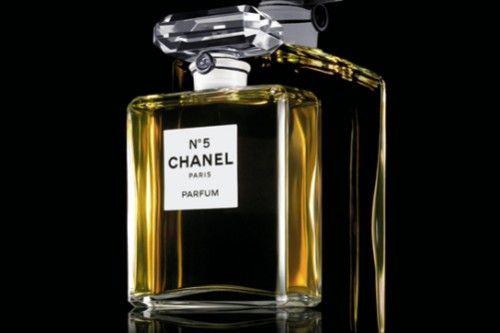 Легендарные духи Chanel №5 изменят свой аромат