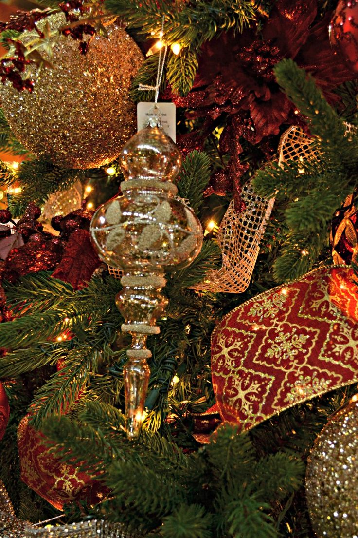 Maroon Christmas Ornaments Part - 20: Champagne, Gold, Burgundy, Maroon Ribbon. Regal, Elegant Christmas Look