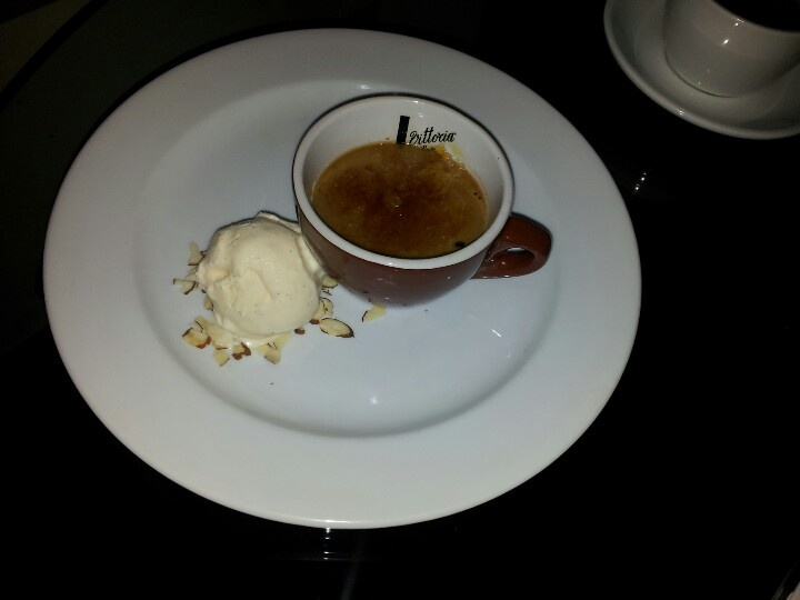 Creme Brule with vanilla ice cream @ Straits Cafe