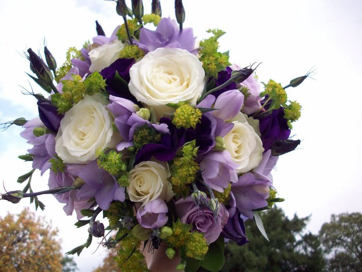 romantic lilac wedding themes | ... white roses, Lilac roses, freesia, lisianthus and lime green foilages