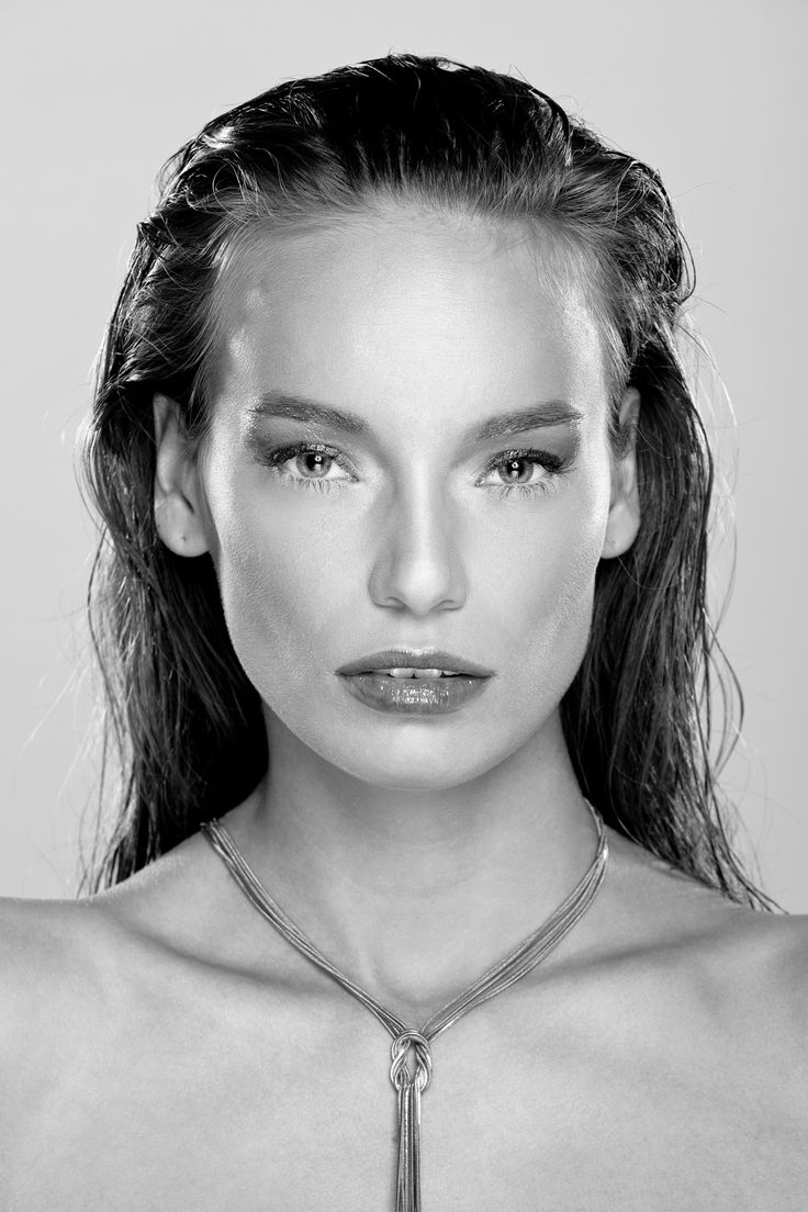 Black and white beauty | Photo: Gergely Graff | Makeup: Dora Graff