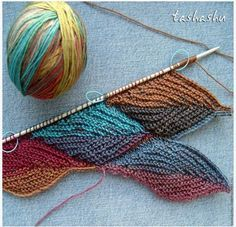 Knitting falling leaves - click through to tutorial, doesn't seem to have clear instructions.