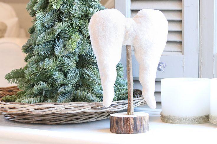 """Wohndekoration - Engelsflügel """"Ängel"""" Gr. S (ca. 30cm) Leinen natur - ein Designerstück von snuggles-cottage bei DaWanda"""