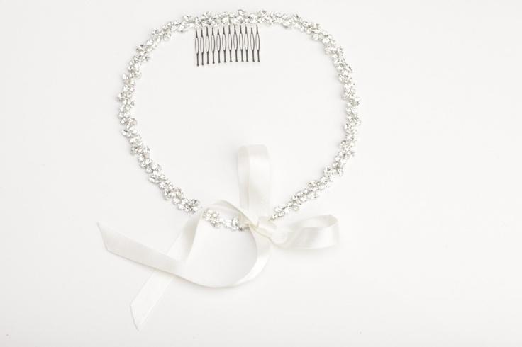 Comb//Acconciatura per capelli in strass swarovsky crystal  con pettine in metallo argentato e nastro in raso avorio €105,00 #wedding #bride #jewels