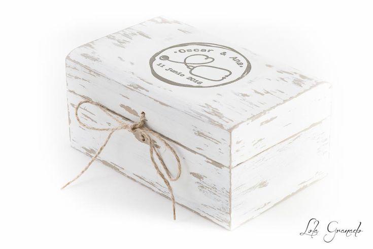 #Caja porta #arras, #boda Oscar y Ana, estilo #rústico #vintage. www.lolagranado.com