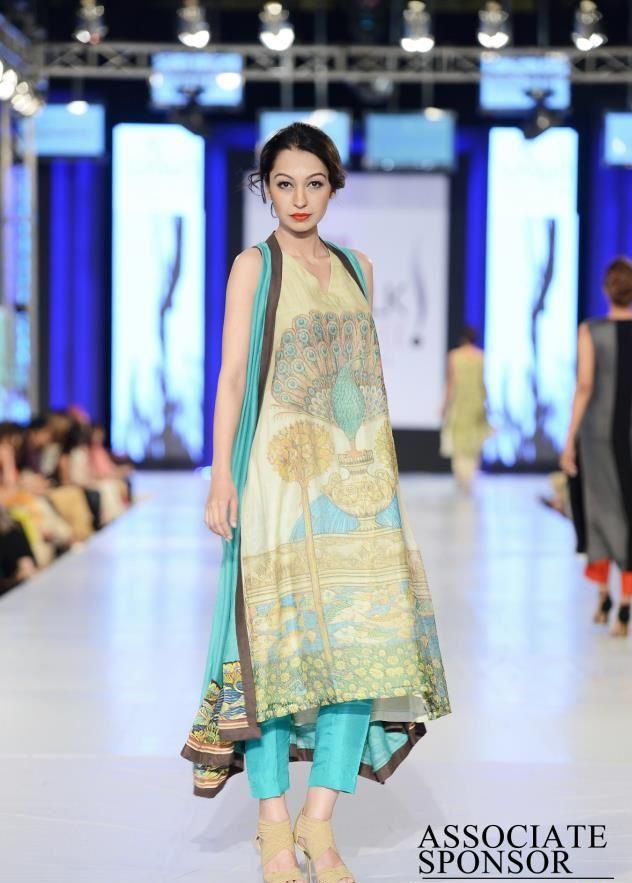 Designer Nida Azwer collection at pfdc fashion week 2013 lahore 14