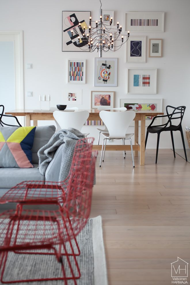 Why not create a picture wall behind your NORDEN table? | Modern, cool, colourful dining area spotted on valkoinenharmaja