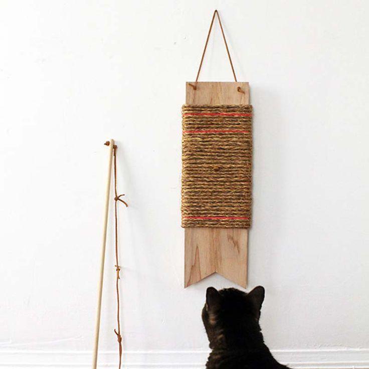 10 DIY pour les amoureux des chats : un griffoir à accrocher au mur -  10 DIY for cat ladies (and dudes) a cat scratcher like a wall hanging @Designsponge / Marie Claire Idées
