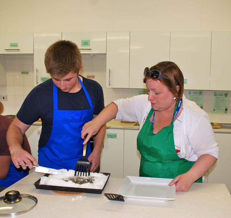 cooking, cooking! professional chef Rachel McCormack was a guest lately at Clayesmore - one of best boarding schools in England! http://www.clayesmore.com/senior/news?article=1423