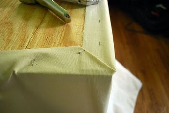 The Newlywed Diaries: Day 766: No-Sew Skirted Table