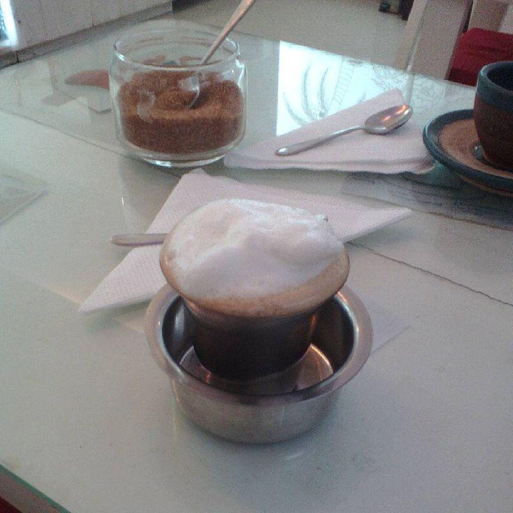 Premier caf au Mission Caf  Pondicherry super bon avechellip