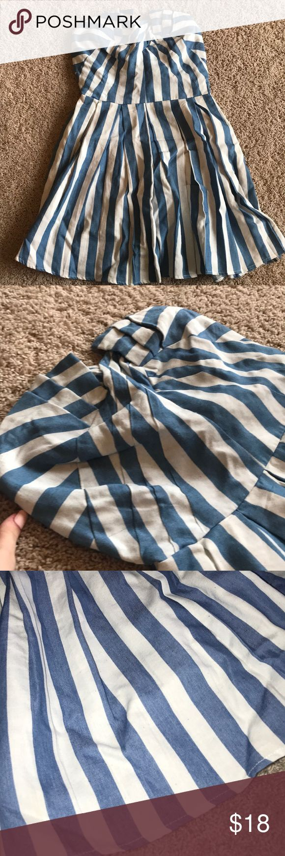 Altar'd State Strapless Dress Blue and white striped strapless dress Perfect for the beach LOVED this dress Smocked back and zipper on the side Gently worn great condition Altar'd State Dresses Strapless