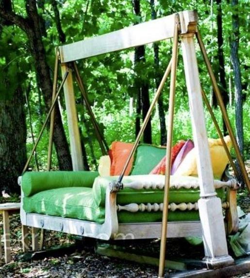 Bed Swing: Reclaimed Furniture, Idea, Sofa Beds, Gardens Swings, Beds Swings, Backyard, Porches Swings, Swings Beds, Outdoor Swings