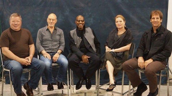 Star Trek - Captains Unite - Commanding officers