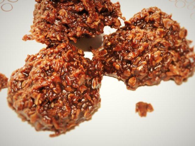Cocoa Quickies! Super quick no bake cookies