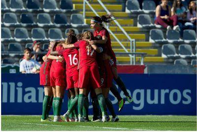 A Seleção A Feminina de Portugal venceu, esta sexta-feira, no Estádio do Bonfim a Moldávia, com uma goleada de 8-0, no segundo jogo de qualificação para o Campeonato do Mundo. A Abrantina Joana Mar…