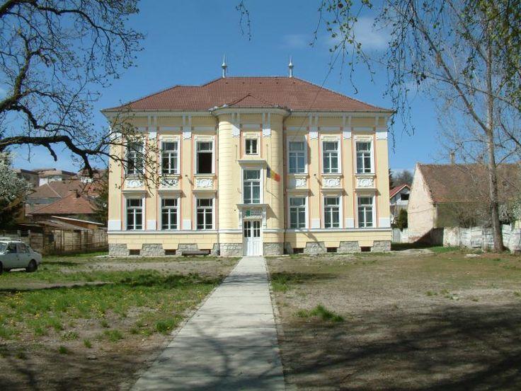 Liceul de artă Plugor Sándor (1904-1905), fost liceu de stat, strada Kossuth Lajos 11, Sfântu Gheorghe