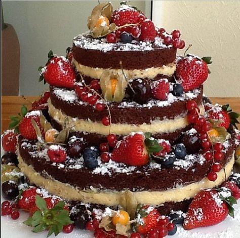 Naked cake, o bolo sem cobertura que está fazendo o maior sucesso