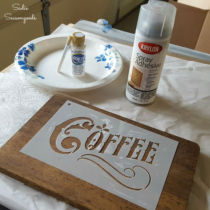 Stencilng a stained thrift store wood cutting board to upcycle into a rustic farmhouse sign by Sadie Seasongoods / www.sadieseasongoods.com