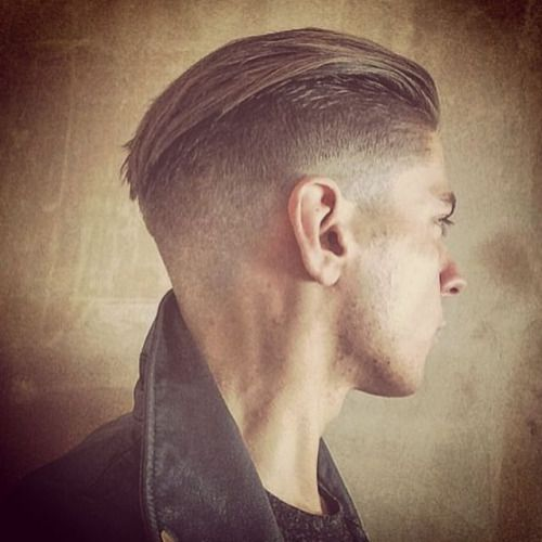 Tidy fade with a slick back from @badlandsbarber finished with #uppercutdeluxe #pomade ✂️ #barber #barbershop #slickanddestroy #groomandzoom #style #styling