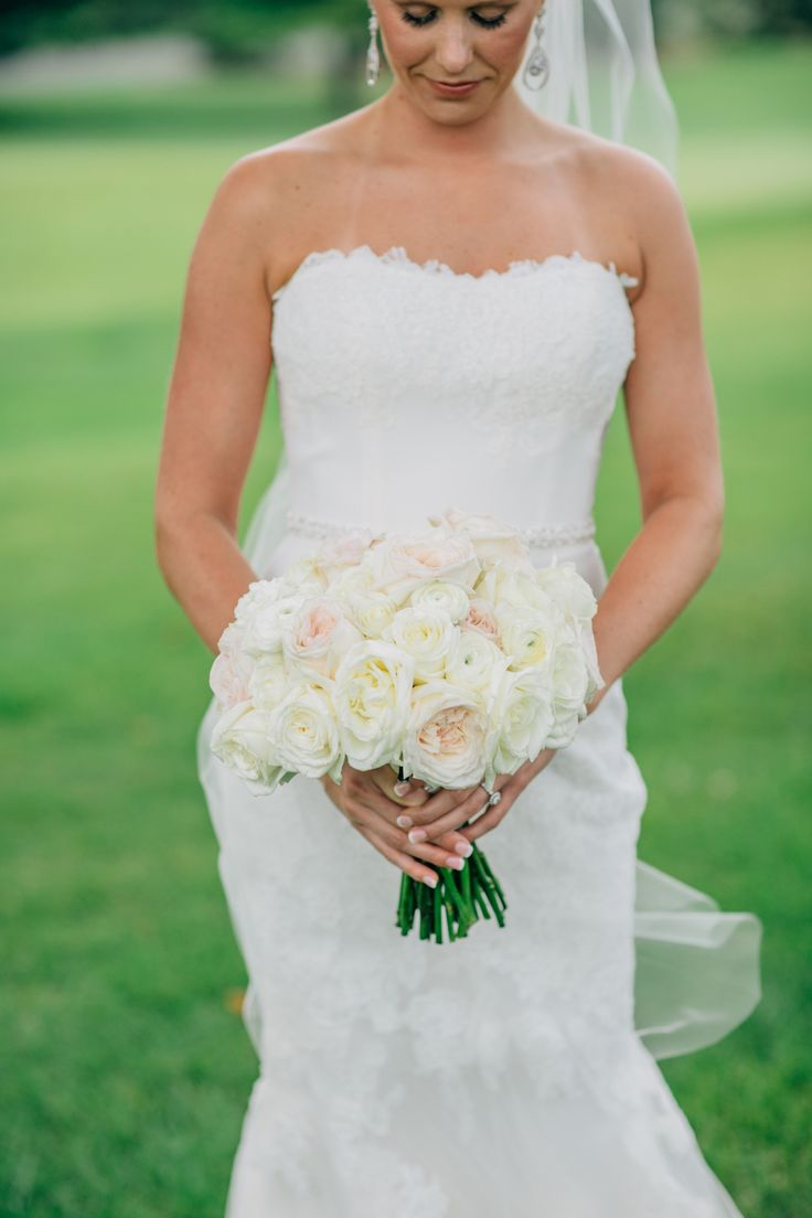 Classic Wedding Bouquet All White Mark Fierst Photography Acowsay Cinema