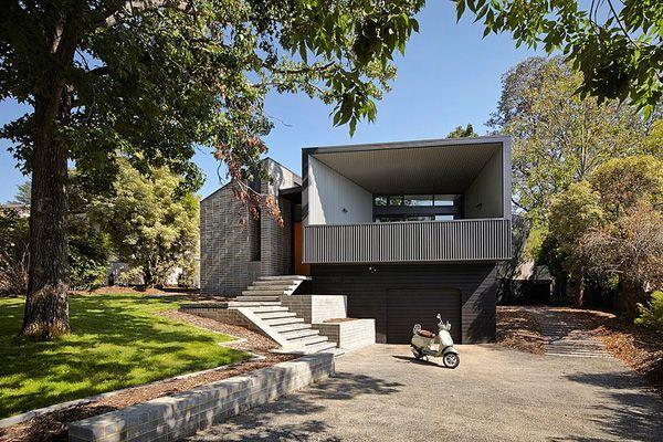 Sensational Narrabundah House by Adam Dettrick Architects