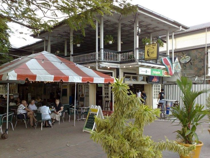 Café bar het vat in Paramaribo