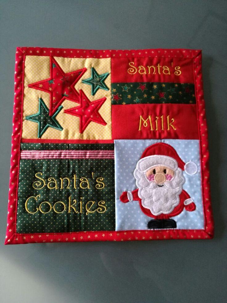 Para receber o Pai Natal: para colocar o copo de leite quentinho e com bolso para colocar as bolachas.  Feliz Natal  Merry Christmas