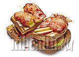 Бутерброд с арахисовым маслом и беконом