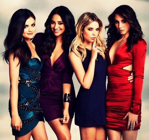 Pretty Little Liars cast Lucy Hale, Shay Mitchell, Ashley Benson, Troian Bellisario