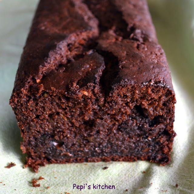 Κέικ με κακάο, σοκολάτα και πράσινο κολοκυθάκι http://www.pepiskitchen.blogspot.gr/2012/10/blog-post_15.html#more