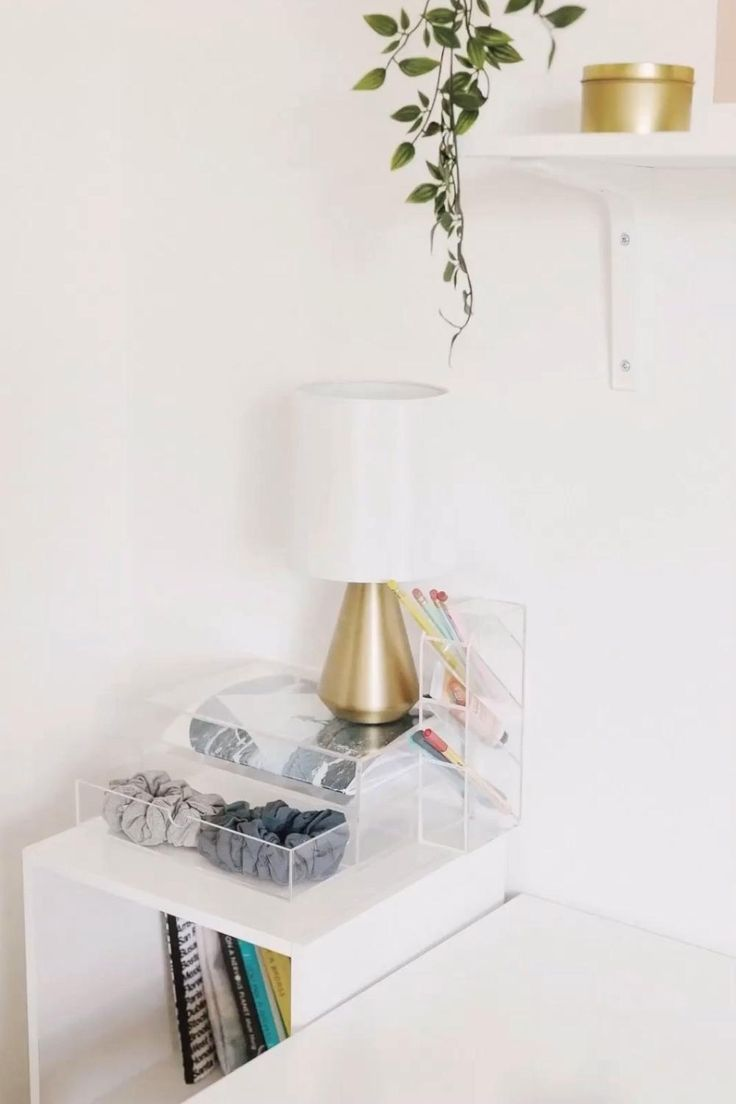 Don't know where to start with organizing your home office desk space? Desk organization can be simple with acrylic desk organizers. Minima Basics has the perfect acrylic desk organizers that both look pretty on your desk and declutter your desk at the same time! Click to shop the collection!