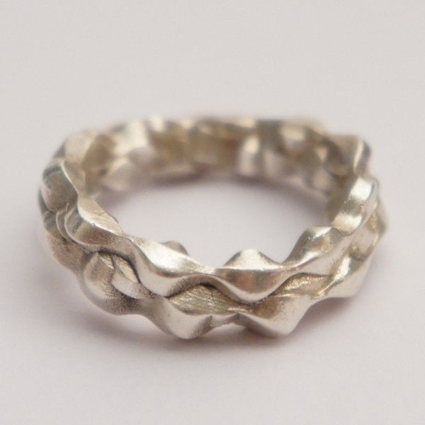 3d printed and silver casted jewellery created by studioluminaire