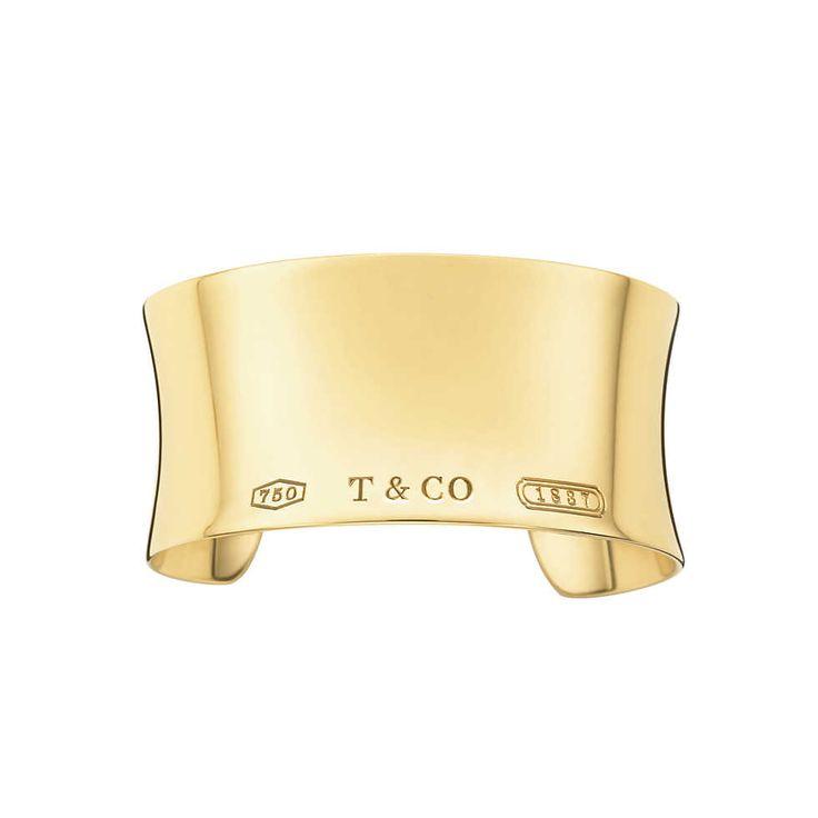 Tiffany 1837™ wide cuff in 18k gold, medium. | Tiffany & Co.