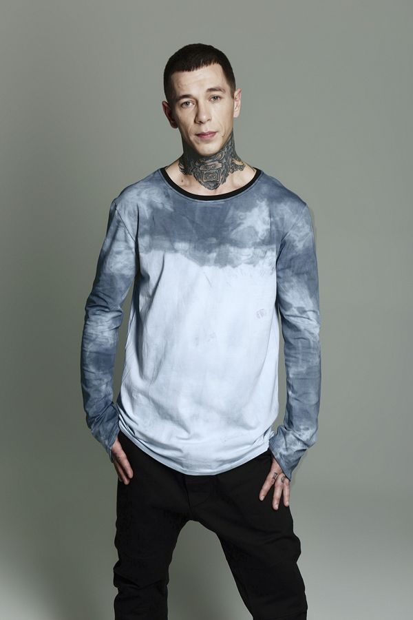 T-shirt with long sleeves colored