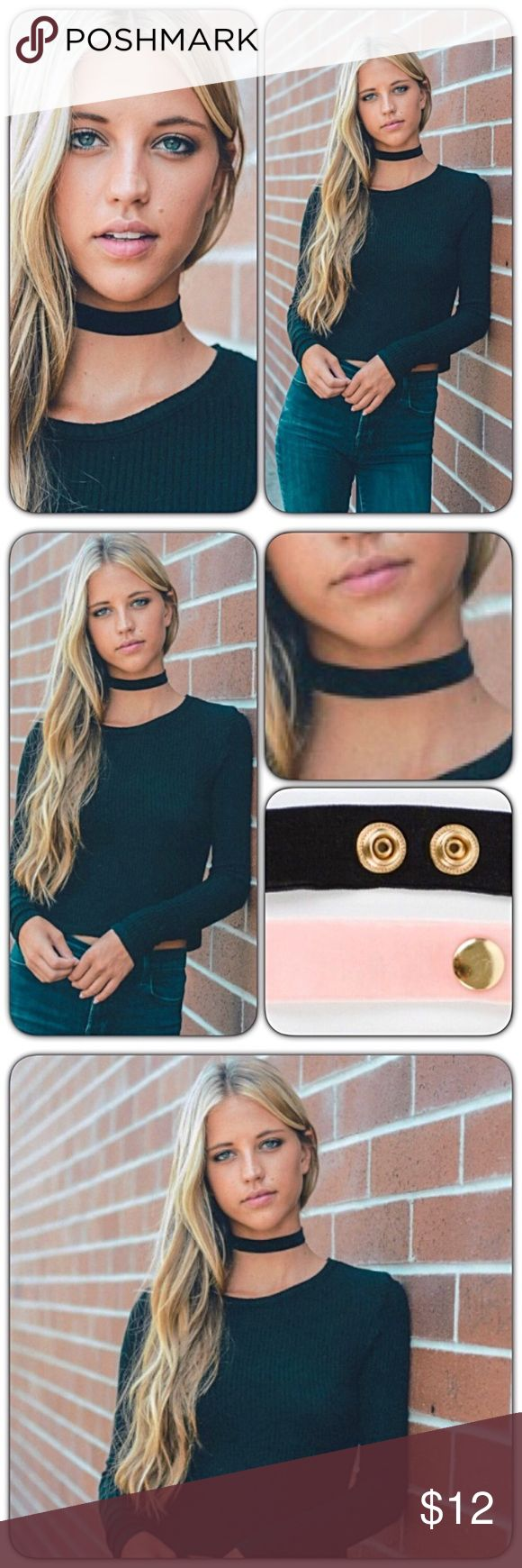 "Bohemian Black Velvet Stretchy Choker Necklace We are in love with this beautiful black velvet choker necklace. Stretchy with gold snap closure. 13.8"" x 0.8"" Bundle & save✅ Dainty Boho Statement. Available in blush in separate listing🌷 Jewelry Necklaces"