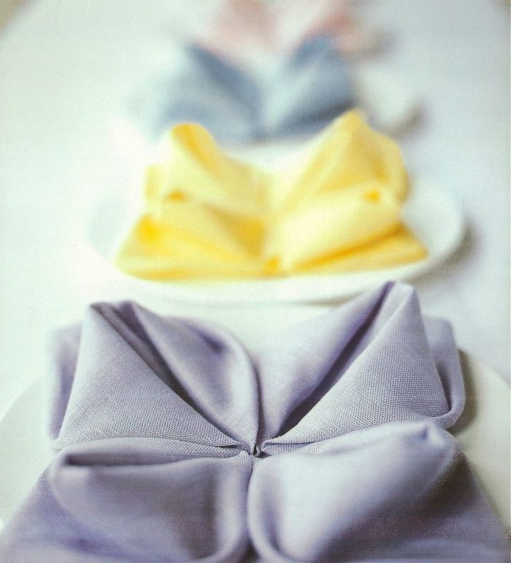 1000 ideas about servietten falten anleitung on pinterest folding napkins napkins and rosen. Black Bedroom Furniture Sets. Home Design Ideas
