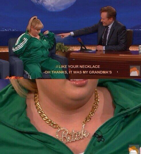Her accessorizing game is strong. | 21 Reasons Rebel Wilson Is A Fantastic Role Model