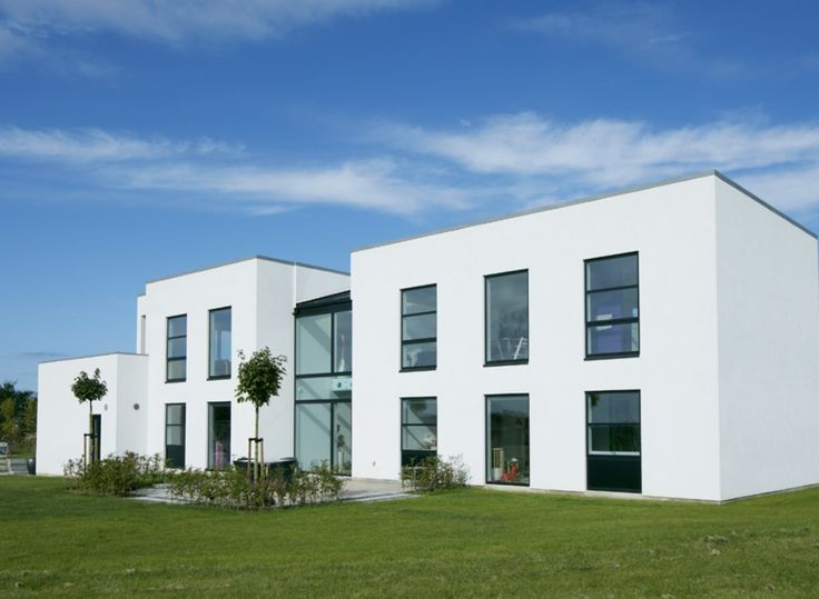 Newly build Villa with energy efficient windows and doors from the energy optimized VELFAC-200