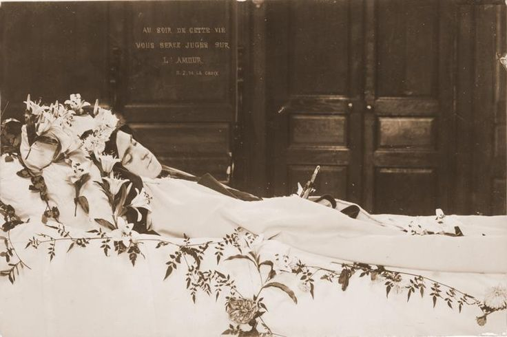 The last photo of Saint Therese of Lisieux by her sister Celine. October 3, 1897.