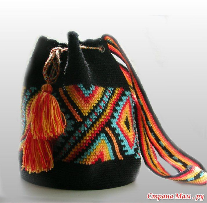 Fashionable knitted handbag ethno