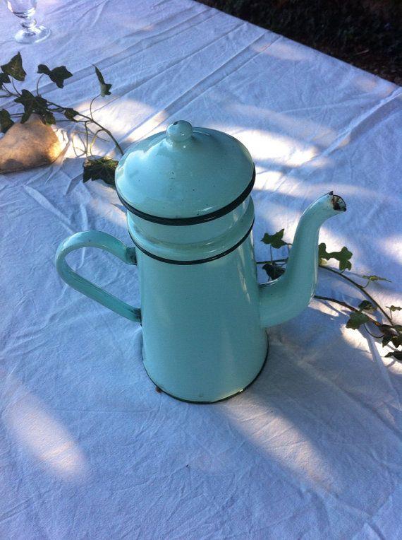 Antique french coffeepot in enamel  par Antiquesfrenchshms sur Etsy, €45.00