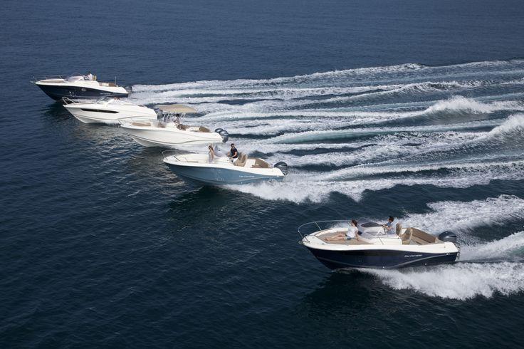 """Notre bateau """"le Martinaa"""" arrive trés vite au Domlaine du Martinaa !! Une belle occasion de louer un gite de pêche en Normandie ! Bises à tous !! Val 33(0)231 322 480 ou www.martinaa.fr"""